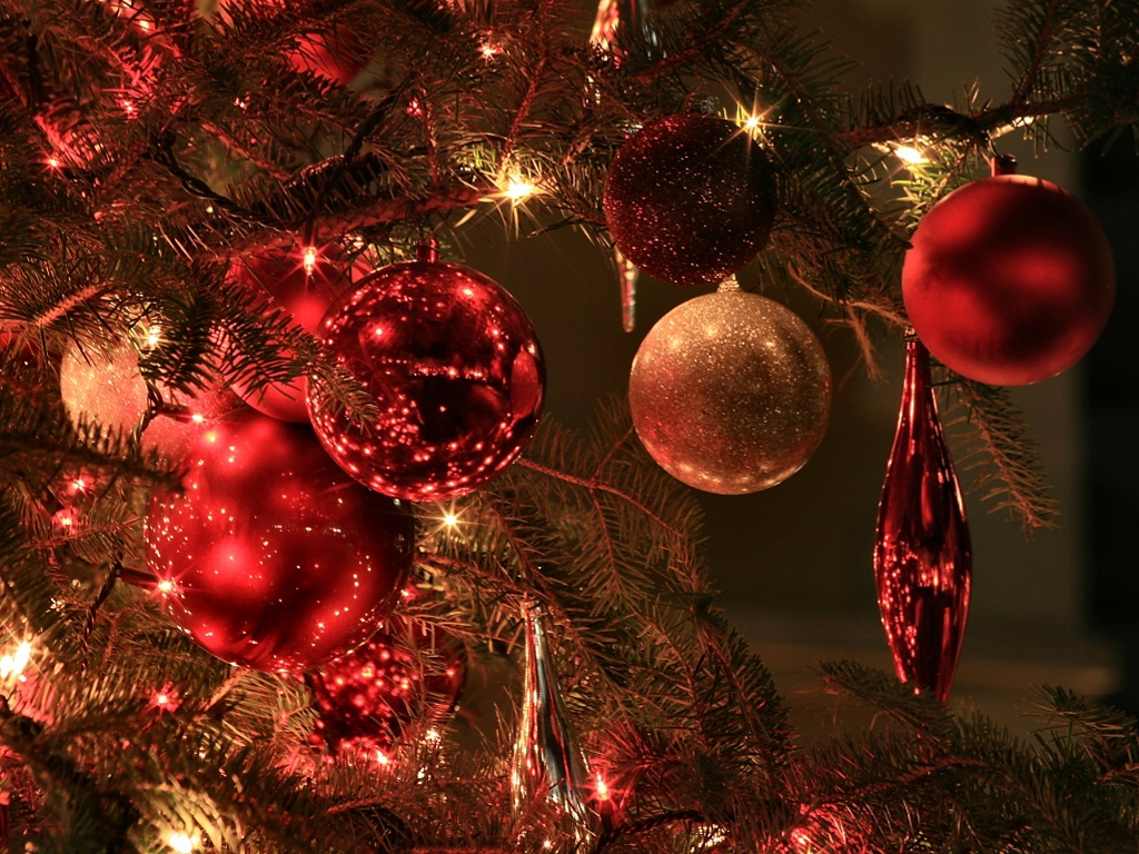 Christmas tree ornaments xmaspin for Christmas tree balls