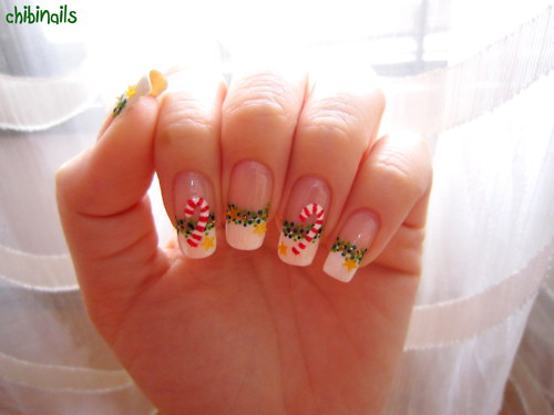 Christmas Candy Cane Nail Design