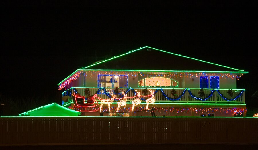 Christmas rope lights on house xmaspin christmas rope lights on house mozeypictures Images